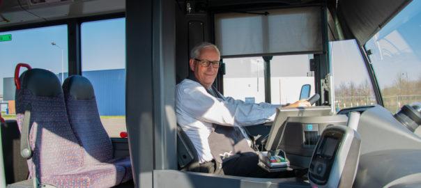 buschauffeur werkende held