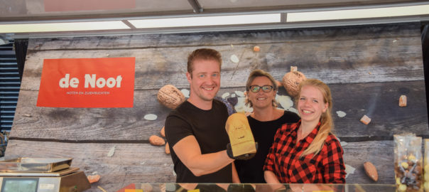 notenbar weekmarkt Sommelsdijk
